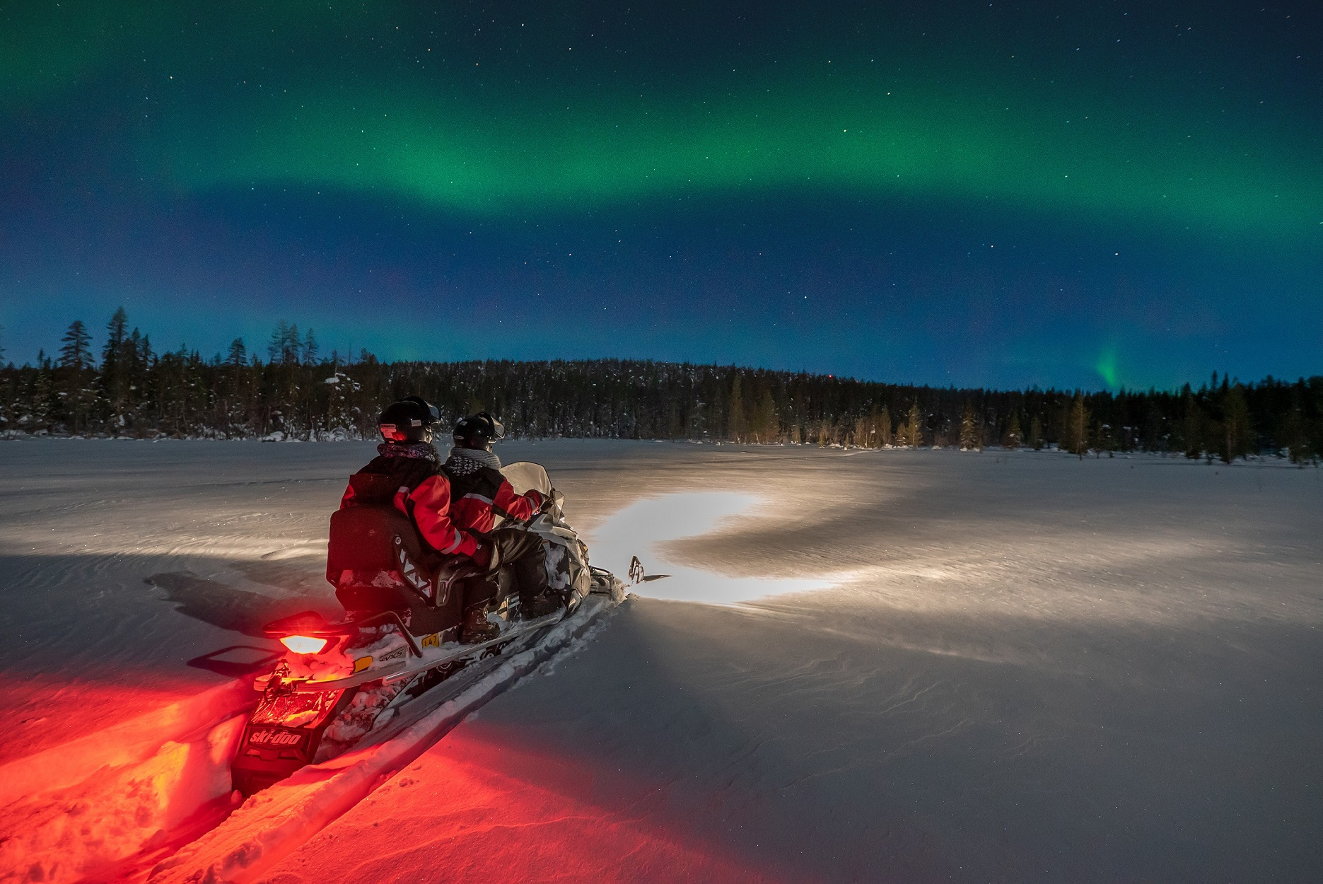 Harriniva Hotels Safaris Snowmobiling 27