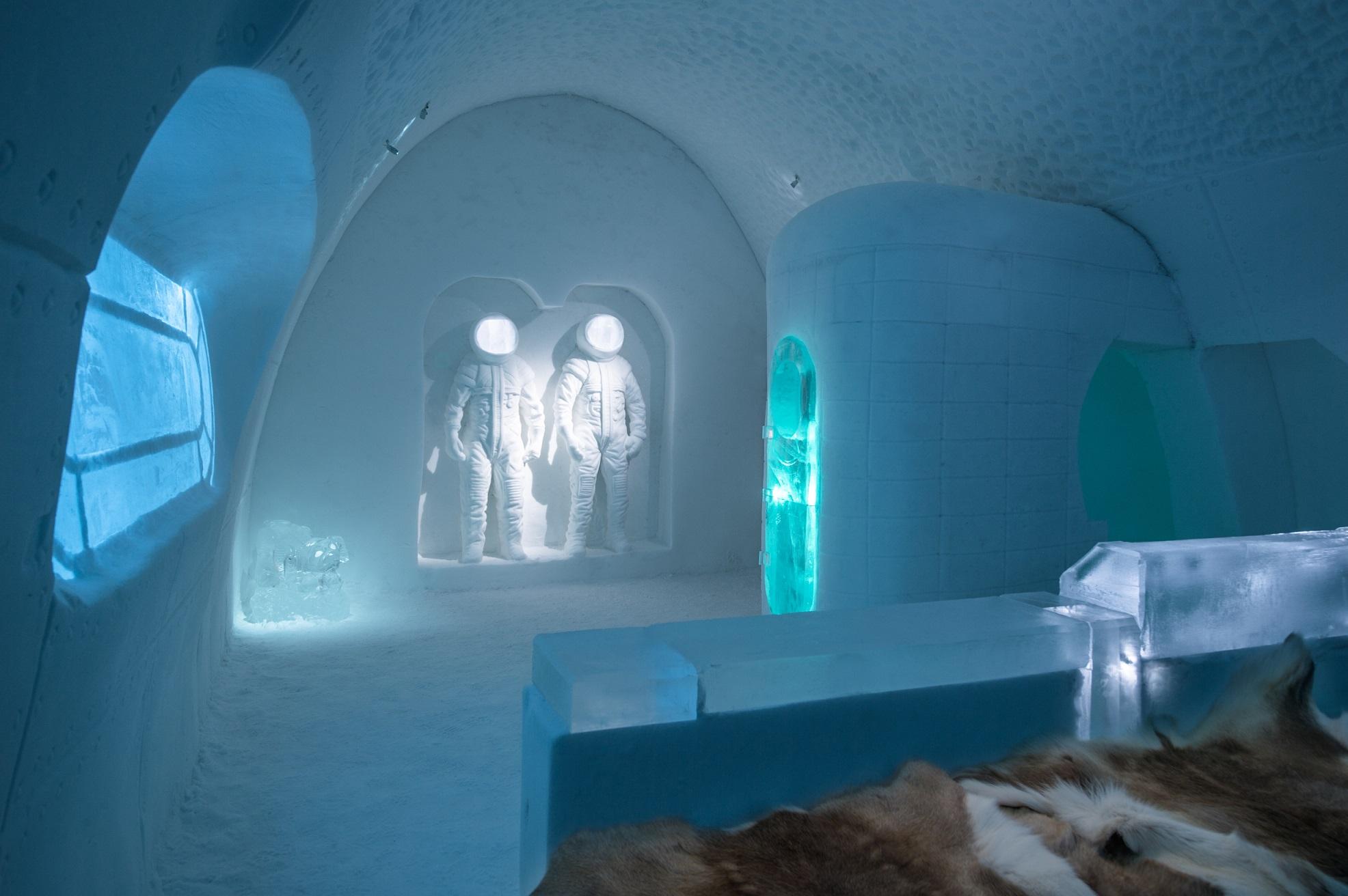 ICEHOTEL 28 2017 2018 Art Suite Space Room. Design Adrian Bois Pablo Lopez. Photo Asaf Kliger. 2