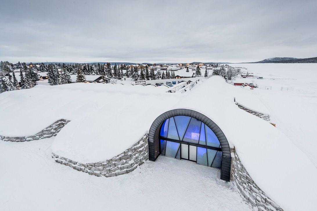 entrance icehotel 365 Photo Asaf Kliger www.icehotel2