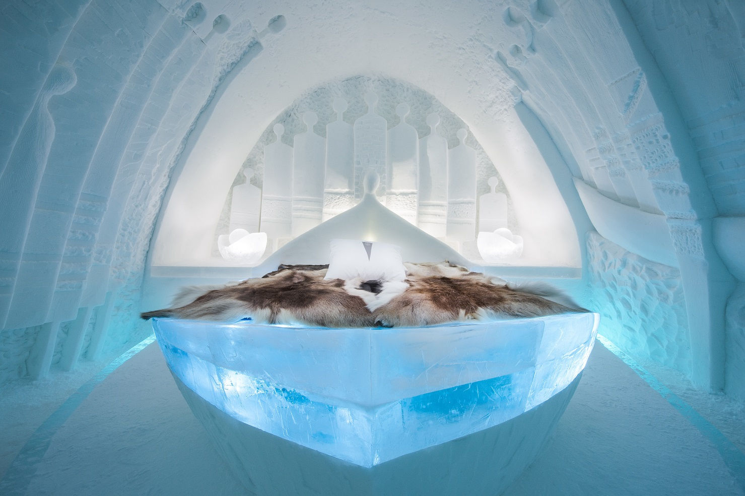 medium art suite daily travellers icehotel 28 Design Alem Teklu Anne Karin Krogevoll. Photo Asaf Kliger. 2