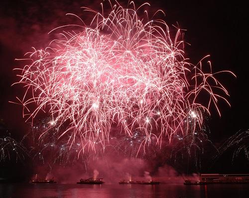 xmas ny Atlantic Festival Fireworks 2 Credit Macedos Pirotecnia Visit Madeira